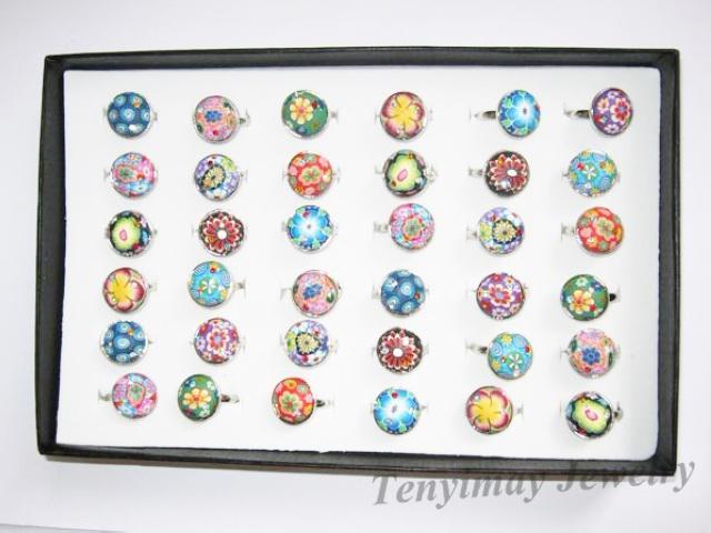 ポリマー粘土リングボヘミアン多色36ピースミックスロットラウンド、正方形、楕円形、花の調節可能なリング
