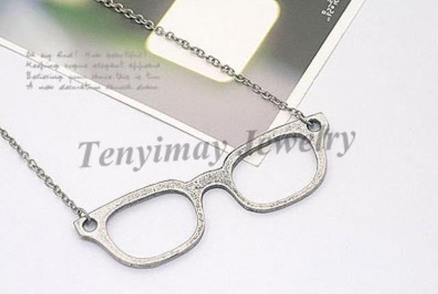 Sweater Necklace Fashion Alloy Glasses Pendant Necklace
