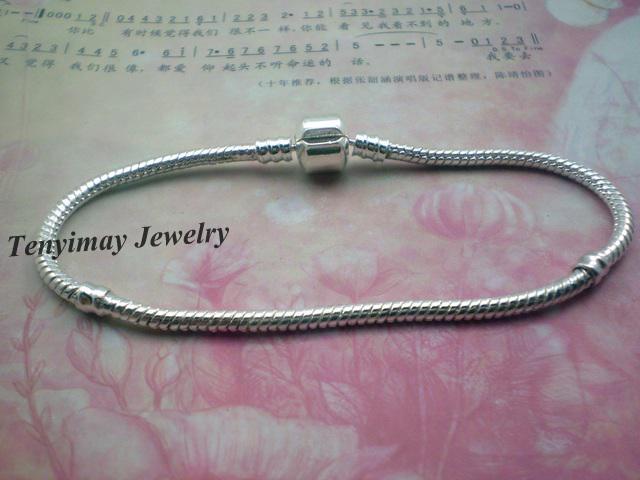 Moda 20 unids / lote Silver Plated Snake Chain Charms pulseras para DIY envío gratis