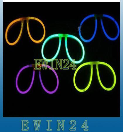 Conjuntos De Assorted Glow Stick Óculos Brilho Varas Com 2 Conectores Luz Fluorescente Moda divertida festa surpresa