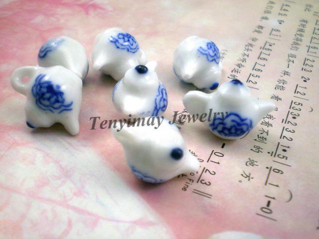 Antique Chiński Czajnik Ceramiczny Charms, Blue-White Porcelain Style Ceramic Wisiorki
