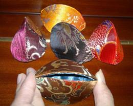 Canada Boîtes de bagues de fiançailles pas cher 50pcs / pack modèle de couleur de mélange 2.9 * 2 pouces petite boîte de pendentif en tissu de soie Offre