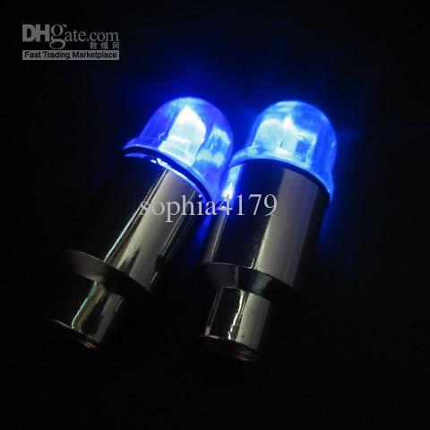 expédition de voiture / vélo roue libre valve de pneu Cap flash LED