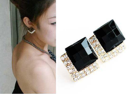 새로운 클래식 빈티지 럭셔리 블랙 보석 귀걸이 패션 시뮬레이션 다이아몬드 귀걸이 여성의