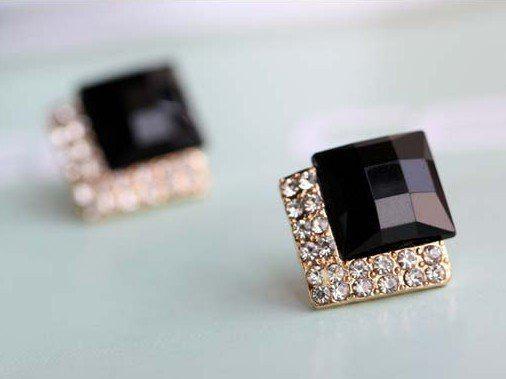 En popüler Vintage Lüks Siyah Taş Küpe Şık Simüle Elmas Kulak Damızlık kadın 50 pair