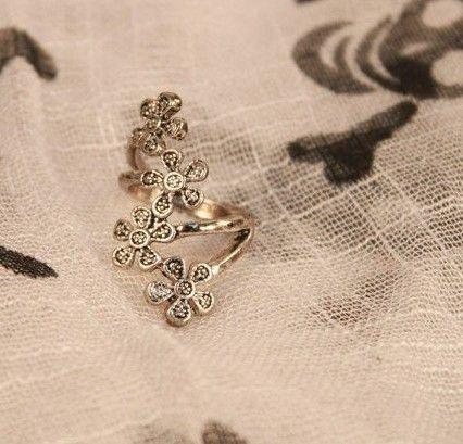 2012 Moda kişilik erik çiçek halkaları Hollow Out Vintage Yüzük Yepyeni stok 60pcs / lot