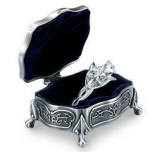 Kostenloser Versand - Herr der Ring Silber Arwen Evenstar Halskette + Schmuck Box Halter