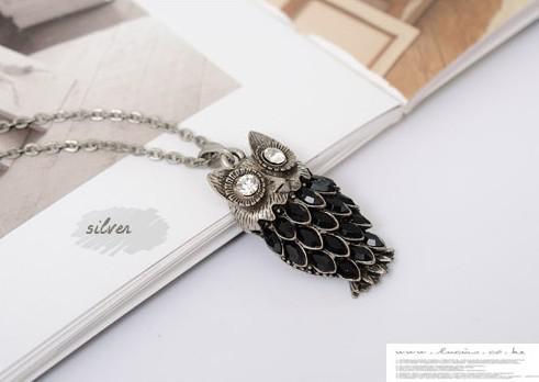 Brand New Hot Vintage Long Chain Gold Owl Alloy Pendant Halsband Full Österrikisk Kristall Mode Style Present 30st /