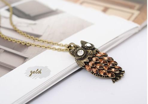 Brand New Hot Vintage Długi Łańcuch Złoty Sowa Stop Naszyjnik Pełna Austriacki Kryształ Moda Style Prezent 30 sztuk / partia