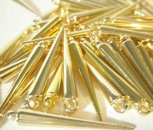 shopping gratuit nouveau CCP Basketball Wives boucles d'oreilles Spikes Perles Golden Spikes haute qualité Mix couleurs