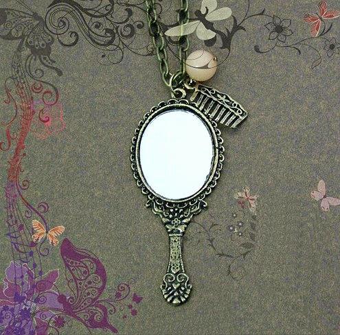 Women's Necklacs Elliptic Mirror Comb Pendant Necklaces Sweater Chain