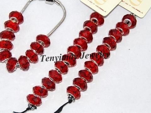 ビーズブレスレットDIYのための卸売100ピースの赤いファセットガラスルーズビーズ送料無料送料無料