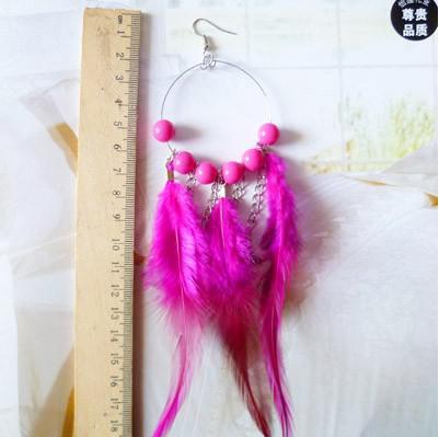 Nuevos bonitos aretes de plumas de pavo real de joyería de moda pendientes de las esposas de bolas de plumas de colores joyería de la boda para las mujeres