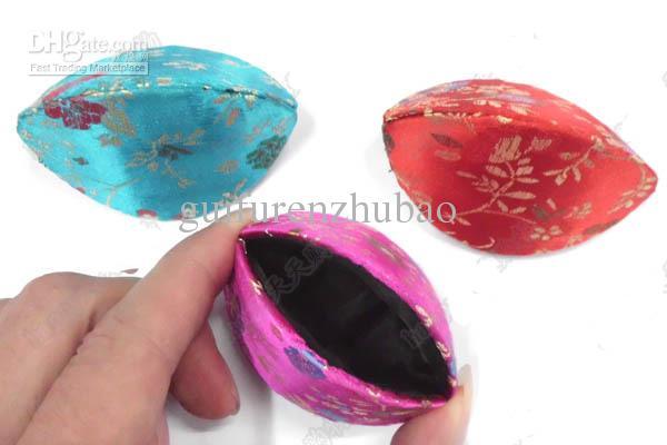 Lindo barato Mini Shell en forma de caja de joyas Unique Rustic Ring Caja de regalo de seda chino Brocade cajas de cartón de embalaje caja de almacenamiento de monedas