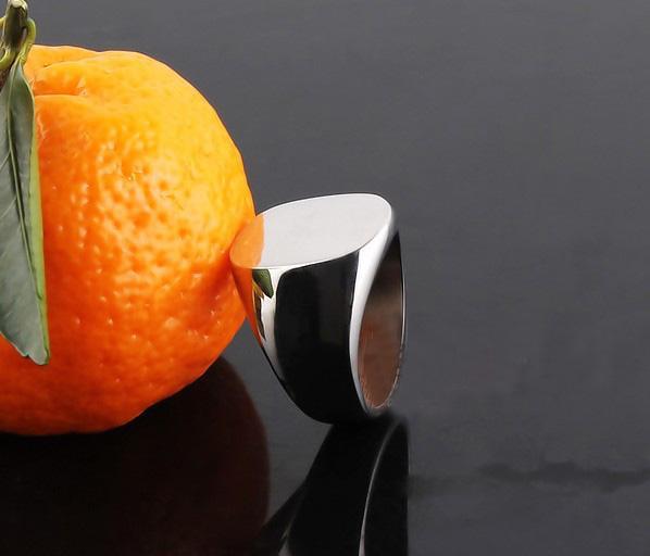 ホット販売!楕円形のシグネティングリングチタン鋼鉄銀メンズリングファミリークレストリングサイズ18,19,20,21mm