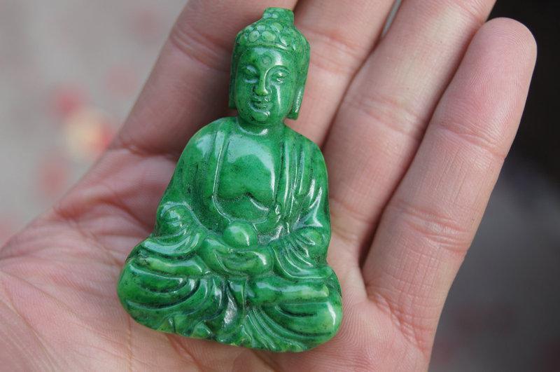 China Retro gesneden standbeelden, decoratie, groene jade Boedha, heuphanger, halsband.