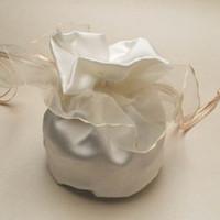 cajas del favor de la boda del satén al por mayor-40pcs / lot White Satin Wedding Candy Bags / Box, Regalos de boda Embalaje, favores de la boda CB - ST3