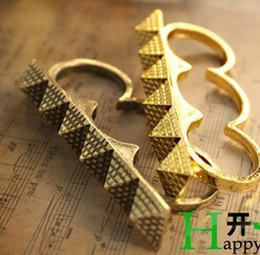 $enCountryForm.capitalKeyWord NZ - Personalized Vintage Pyramid Three fingers Rings Stylish Women's Stock two color 30pcs lot