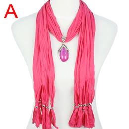 Gota colorida pingente de resina colar cachecol, 2013 Nova primavera outono lenços de jóias para as mulheres, 7 cores, NL-1678 de Fornecedores de roupas brancas para mulheres atacadistas
