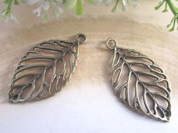 Antieke bronzen blad charme / hanger voor sieraden maken 26mmx44mm 40pcs / lot