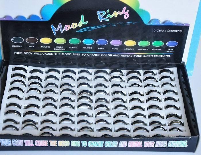 Najlepsza jakość! Rozmiar mieszany 100 sztuk Kolor Zmienna pierścień nastrój DARMOWA WYSYŁKA 6 mm szerokości, 2,6 g / PC