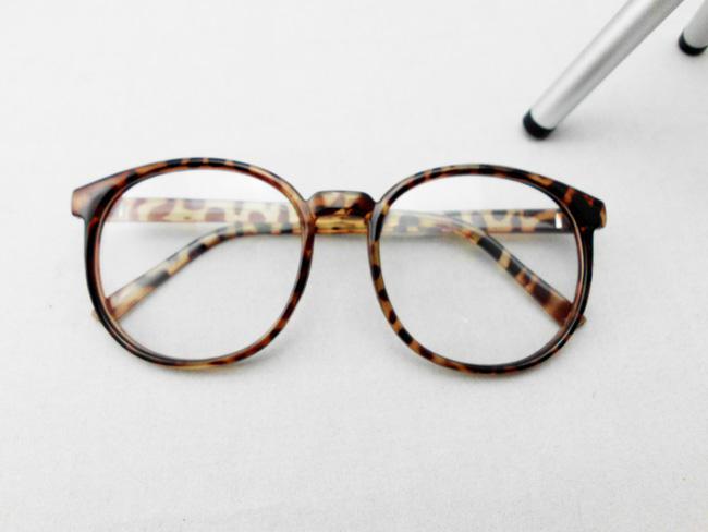 Round Eye Glasses Big Box Round Eyes Light Have Glass Box Flat ...