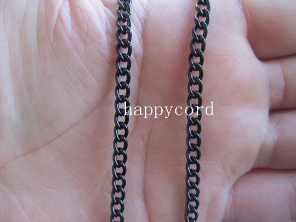 Großhandels- Schwarze Halskettenkette 2mmx3mm für den Schmuck, der 64feet / bildet