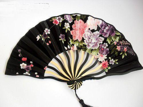 Colorido de bambú chino abanico de seda de la mano 100 piezas de ventilador de tela de flores para los fanáticos de la boda al por mayor