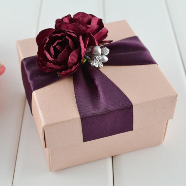 Pink square box with wine ribbon flower decoration wedding favor gift jewelry boxes wrap gift box wrap gifts from beautie factory 68 03 dhgate com