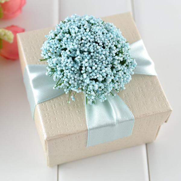may days geschenke