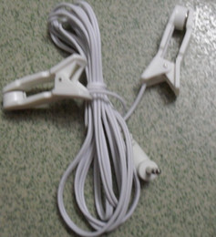 Canada câble pour clip d'oreille pour massage d'oreille TENS EMS mahcine (tête DC 2.5) Offre