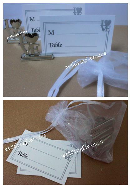 무료 배송 Organza 가방에 우아한 금속 LOVE 장소 카드 홀더 패킹 웨딩 파티 테이블 장식 아이디어 호의
