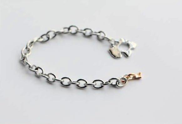 Girl's Bracelets Dog Bone Charm Bracelet Alloy Bright Gold Plating Free Shopping