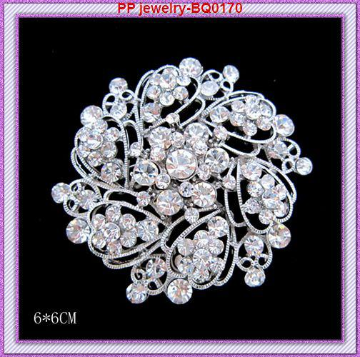 Hot Selling Silver Tone Bright Clear Crystals Bouquet Pin Whoelsale Cheap Brooches Bridal Dressing Jewelry Pins High Quality Hat Decoration