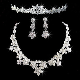 Wholesale Earring Bride Rhinestone Dropping - 2017 Free Shipping New Brides Jewelry Bridal Accessories Jewelry Earrings Necklace Crown Set Cheap Free Shipping Charming For Wedding Bride