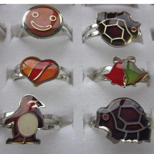 gemischte Cartoon Tiere 100pcs Stimmung Ringe Schmetterling, Lächeln, Herz, Frieden Taube Mode Ringe Schmuck Fr