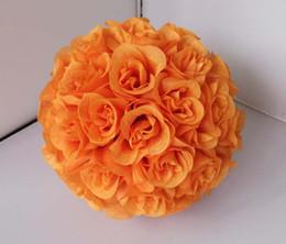 La seda artificial que se besa color de la bola de la flor color de rosa anaranjado los 25cm de diámetro desde fabricantes