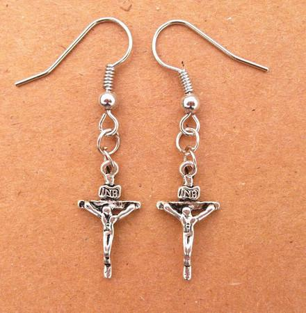 Tibetano prata Vintage Pequeno Crânio Cruz Jesus Machado Pingente Brinco Elegante Mix ordem Novidade presentes de natal
