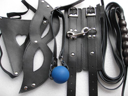 Bouche Menottes Pas Cher-Bdsm bondage kit de retenue d'engrenages Leather Handcuffs Thong Boca Bite Ball Gag Eye Mask Whip XLY1006