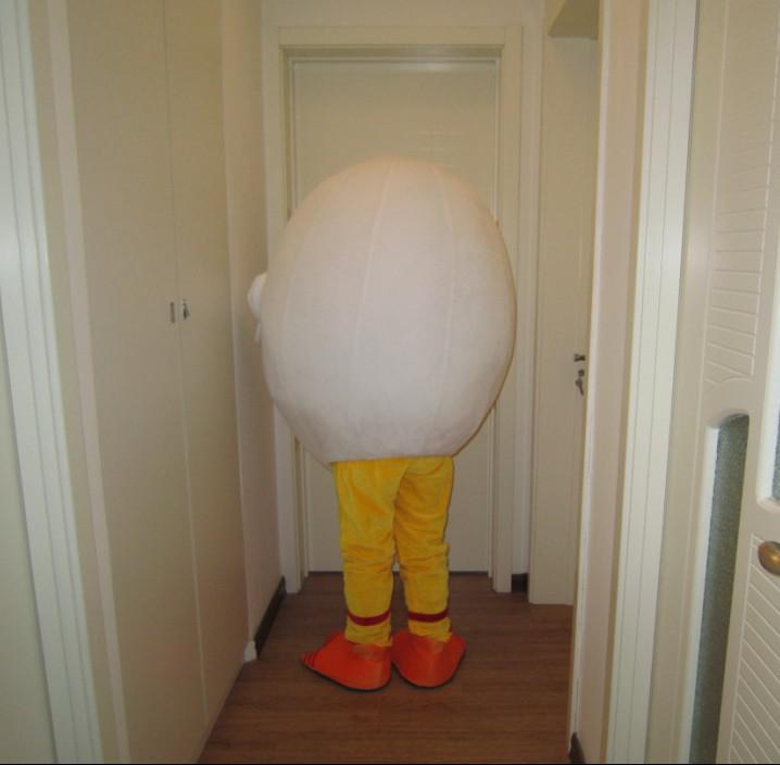 Venta al por menor de buena calidad por encargo tamaño adulto esponja de peluche de huevo trajes de la mascota para el envío libre del partido mejor servicio post-venta