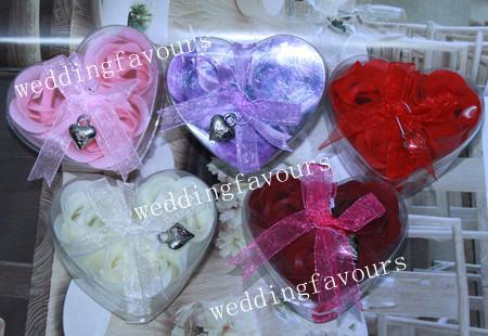 ENVÍO GRATIS = 10Boxes Jabón hecho a mano rojo de Rose Jabón de pétalos de rosa con caja de forma de corazón Embalaje y favores de partido del encanto
