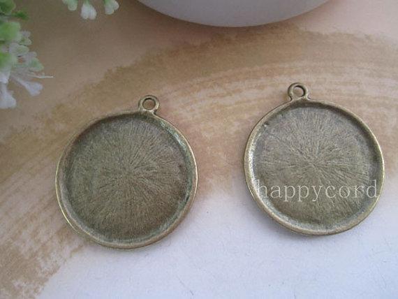 Antik brons rund cabochon hängande bas 25mm för smycken gör 50pcs / parti
