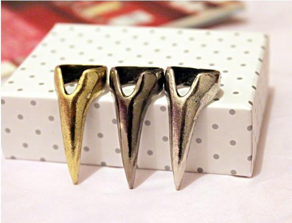 Unisex Rings Fangs Nail Rings Rock Style