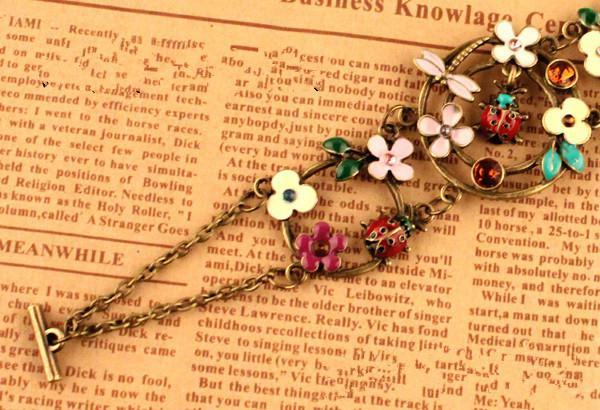 팔찌 VINTAGE 꽃잎 곤충 다이아몬드 중공 팔찌