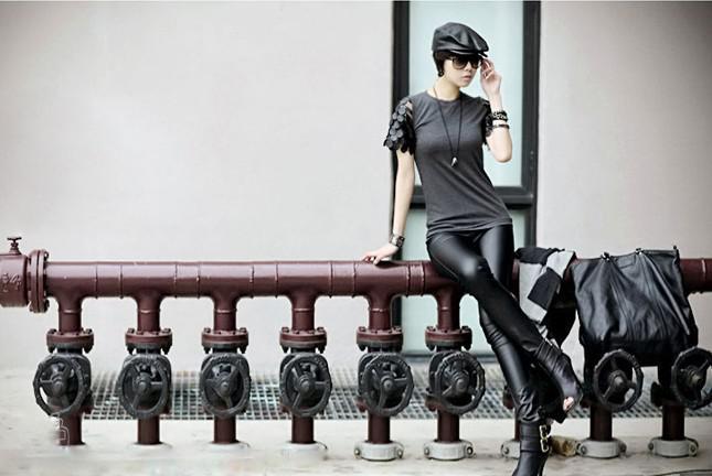 女性セクシーレザーパンツフロント模造レザーバックコットンステッチレギンススリムスキニーパンツGIF