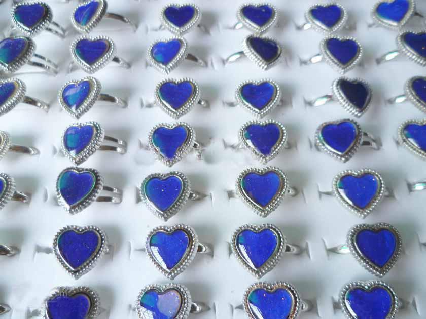 Herzform Pfirsichherz STIMMUNG Ring-Stimmungsring ändert sich die Farbe auf die Temperatur Ihrer Blutmischungsgröße