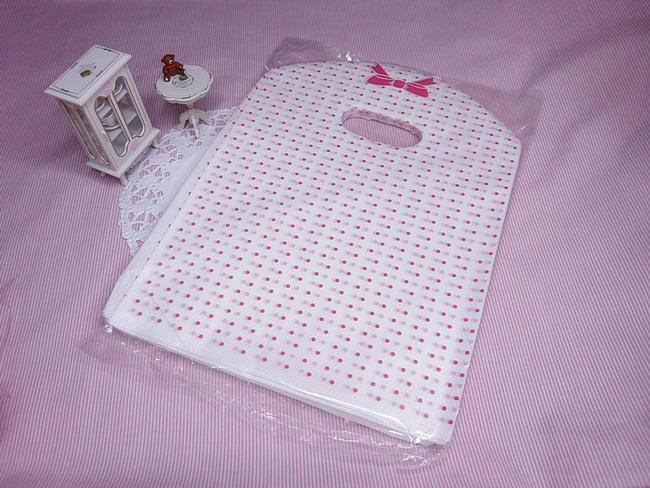 100個の新しいロットピンクのドットトートショッピングプラスチックハンドバッグバッグL /商品バッグ/ジュエリーバッグ