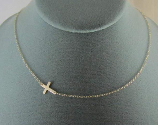 Gratis frakt 60PCS / Lot Alloy Horisontell Sideways Cross Halsband Guld / Silver Välj