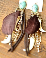 Wholesale idealway Bohemian Feather Gem Dangle Earring Western Style Clear Rhinestone Leather Hot Pepper Shape Long Tassels