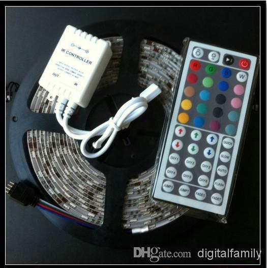 Kerstcadeaus LED Strip Light RGB 5M 5050 SMD 300LED Waterdichte IP65 + 44Key Controller + 12V voeding met box retail pakket DHL schip